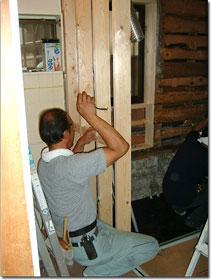 浴室と脱衣場の間仕切り壁を作る